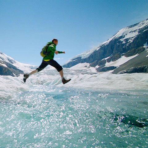 Caminata sobre Athabasca Glacier en Columbia Icefield, Jasper National Park