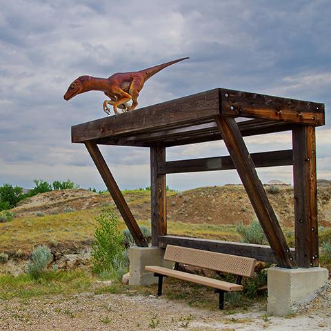 Estatua de dinosaurio en Dinosaur Provincial Park, Canadian Badlands