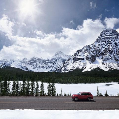 Autofahrt auf dem Icefields Parkway, Jasper