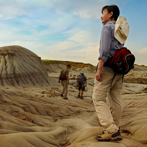 Hiking in Dinosaur Provincial Park in the Canadian Badlands