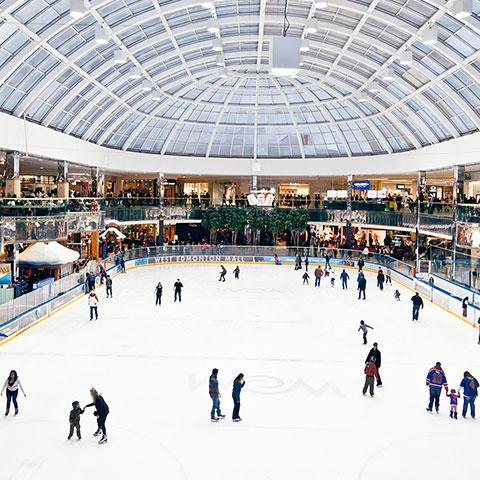 Patinaje en hielo en West Edmonton Mall