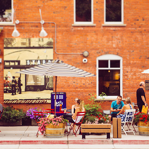 Buiten eten, Kensington, Calgary